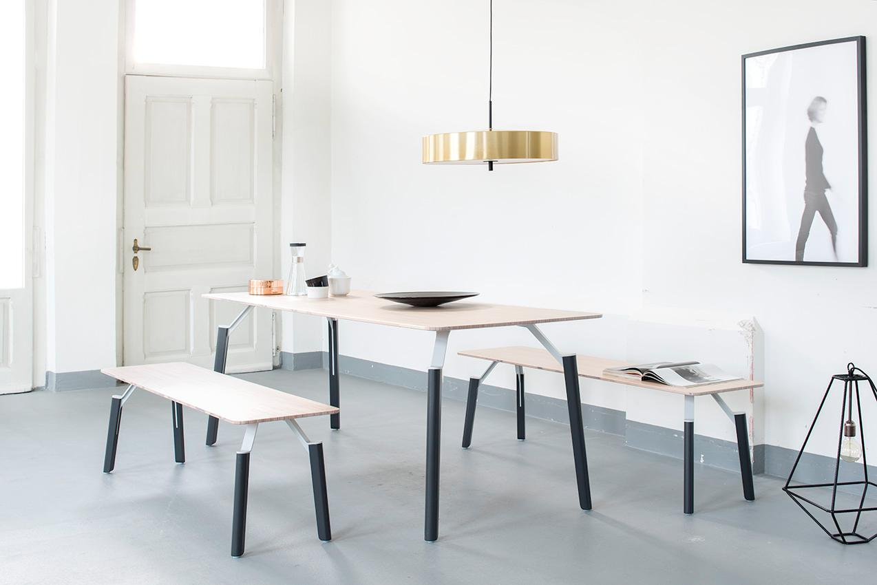 LEVO – table and bench set with slim dimensions